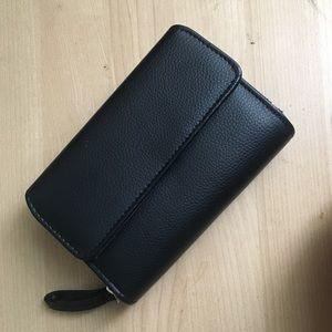 Handbags - Pebbled leather BLACK wallet